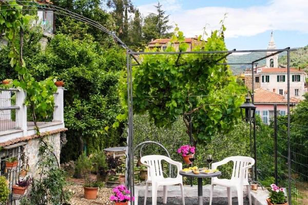 ferienwohnung-dolcedo-d-neue-terrasse8E6230DA-5ECB-A8DC-04D8-44640672C49B.jpg