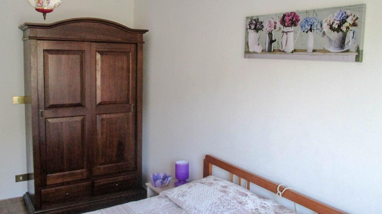 ferienwohnung dolcedo mit terrasse garten. Black Bedroom Furniture Sets. Home Design Ideas
